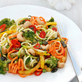 Broccoli Salad with Spiralized Vegetables and Roasted Cashews