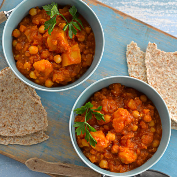 Lentil and Tomato Dal with Wholemeal Roti Bread
