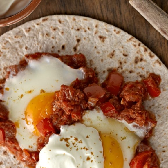 Huevos Rancheros – Mexican Breakfast Tortilla with Eggs and Chilli