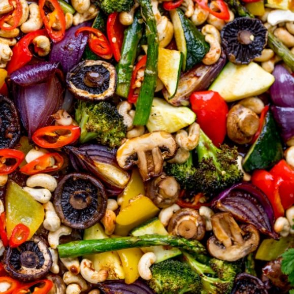 Sticky Asian-style mushrooms with cashews and veggies