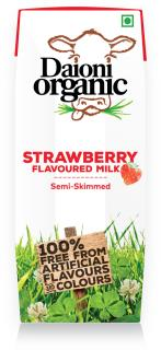 Strawberry flavoured Daioni organic milk 250ml
