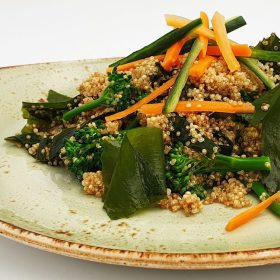 Wakame, Broccoli and Quinoa Salad