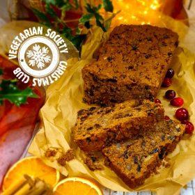 Easy Vegan Christmas Cake